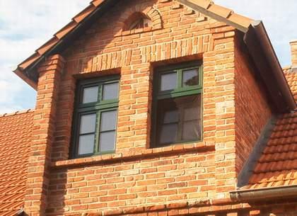 Für die Sanierung dieses Hauses lieferten wir die notwendigen alten Mauerziegel